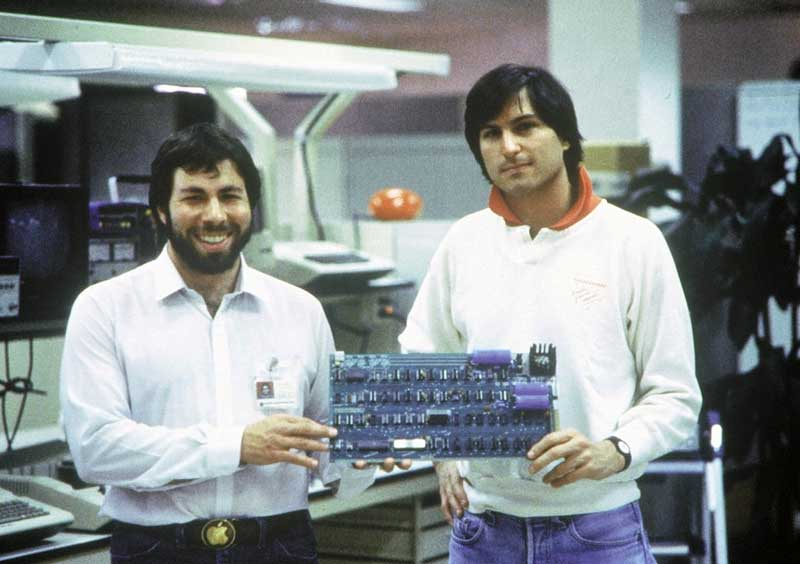 Apple Founder S : How the founders of apple got rich mac history